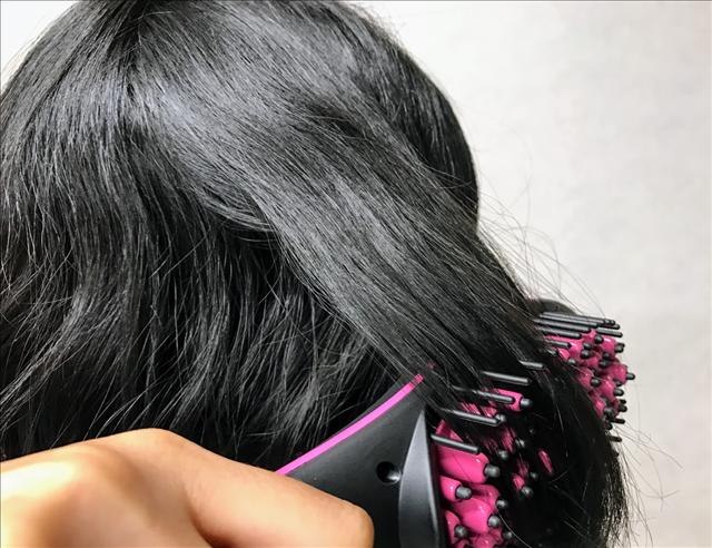シンプリーストレート,ショップジャパン,ヘアアイロン,ヘアブラシ,髪をとかす