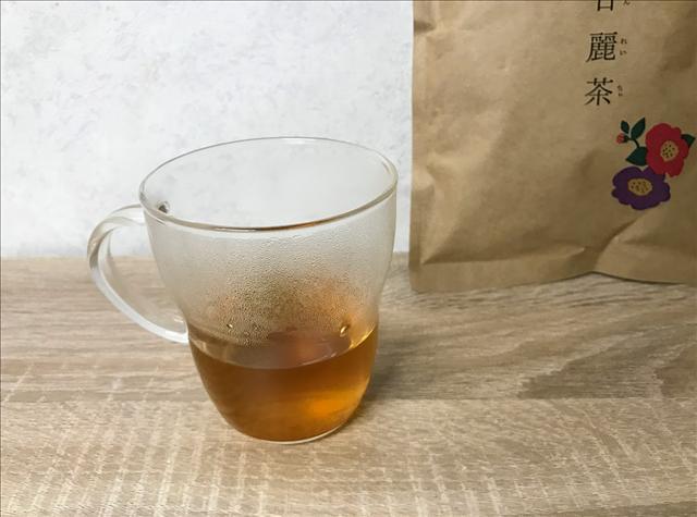 美甘麗茶,びかんれいちゃ,お茶,ノンカロリー,宮城舞,カップのお茶を蒸らす