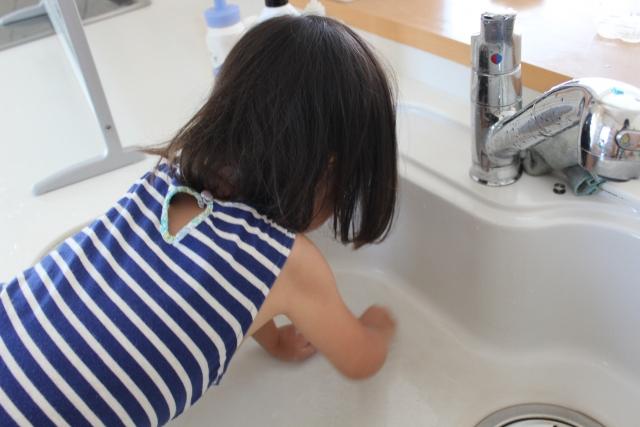 ゴシゴシお風呂掃除は終わり?最新の電動お風呂掃除ブラシを体験レポ